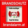 """Logo für """"Brandmelder.cc"""" in der Form eines roten quadratischen Druckknopfmelders in dem mittig statt dem schwarzen Knopf das BSC-Zeichen steht"""