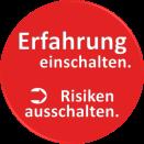 """Roter Kreis mit weißem Schriftzug """"Erfahrung einschalten"""", einem Pfeil der zum Schriftzug """"Risiken ausschalten"""" zeigt."""